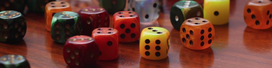 Jeux de dés Backgammon, Yahtzee, Yams, 421, Dudo, Farkle, Craps, Poker Menteur.